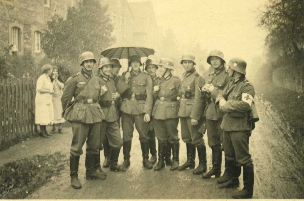 Image result for German M18 transition helmet with 1931 pattern chin strap